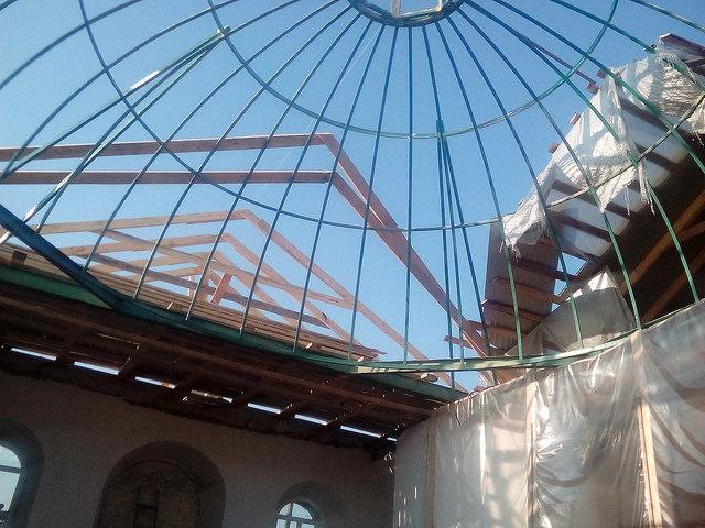 Купол вознесся над Храмом
